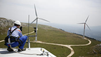 wind turbine worker